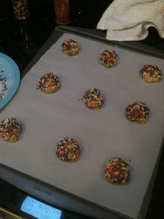 Once Hanukkah wrapped up last week, I moved on to the Christmas-themed sprinkle set!