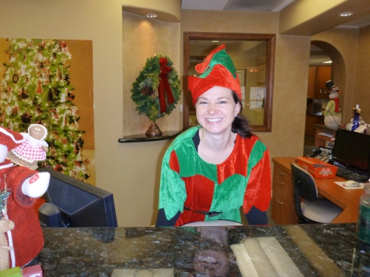 Such a happy and welcoming elf! Thanks again to Emigh Dental Care for a lovely holiday morning out!