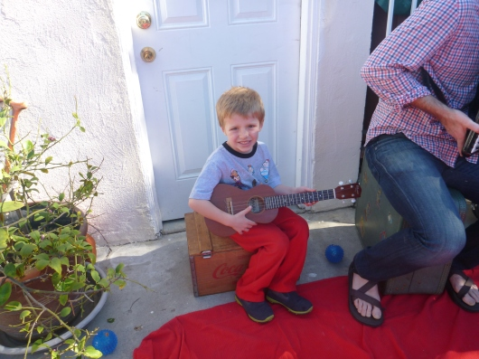 T relived some of his recent Hawaiian vacation by playing a little bit of ukulele after an Andrew & Polly show.