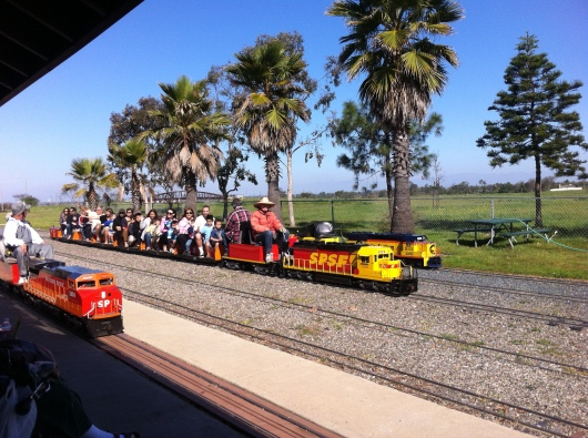 Come ride with the OC Model Engineers this weekend (March 16-17, 2013). If you can't come this weekend, rides operate free to the public the 3rd weekend of each month.