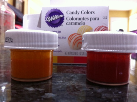 Which of the two containers is orange candy dye, RMT'ers?