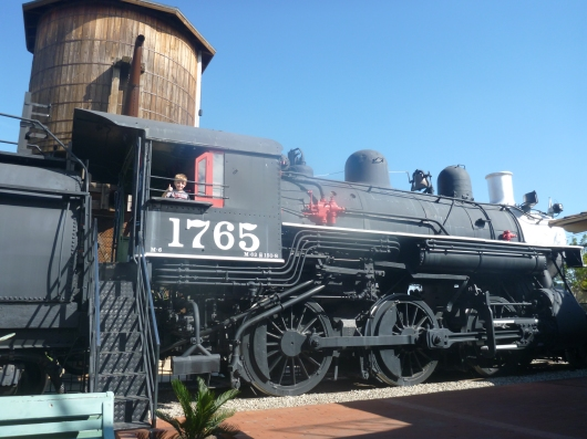 Thumbs up on the Lomita Railroad Museum, says T!
