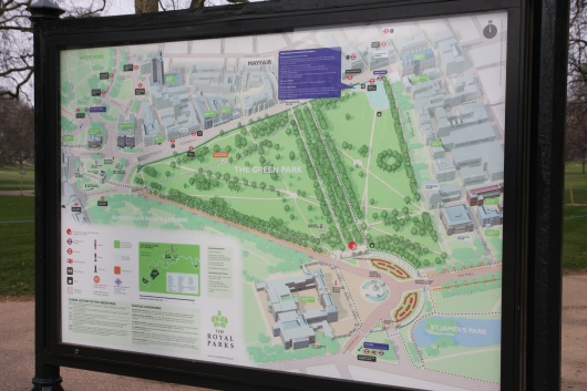 A map in Green Park showing its proximity to Buckingham Palace and St. James Park.