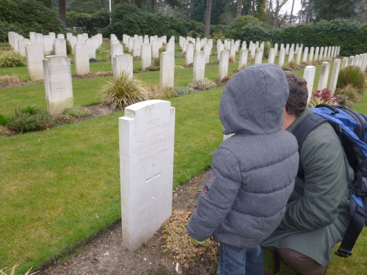 C and T found Riccardo's grave site at Brookwood Military Cemetery in its Italian section.