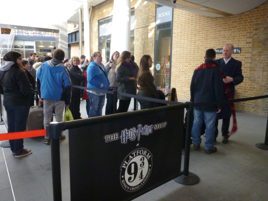 The queue for Platform 9-3/4. Don't worry, it goes by fast... and it's free!