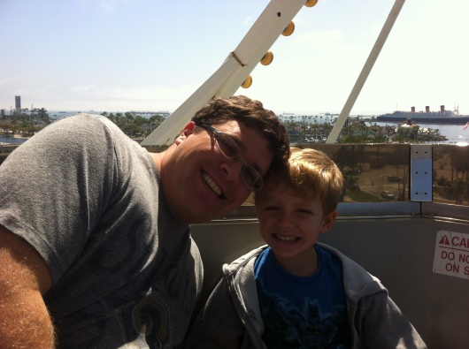 C and T on the Ferris wheel at The Pike at Long Beach. Yes, that's the Queen Mary behind them. There are great views of the waterfront from that wheel, RMT'ers!