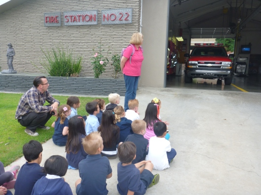 T's TK class waiting for the fire fighters from Station 22 in Long Beach (CA).