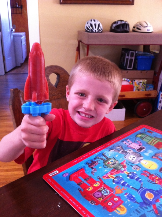 T liked the strawberry-lime ice pops in rocket form, too! The rockets make great 4th of July themed ice pops also.