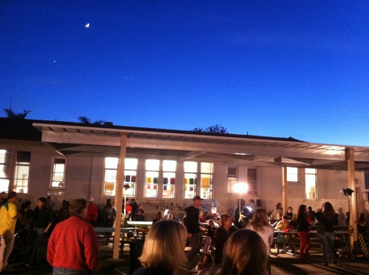 It was a picture-perfect night for some Fall-tastic, artistic fun!