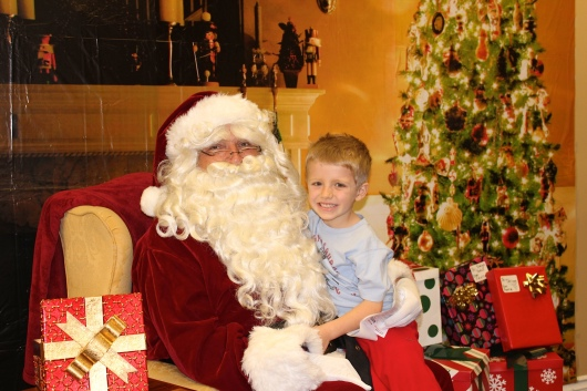 T's visit with Santa last year at Emigh Dental Care in Long Beach was such a great community event that we hope to make it again this year, too!