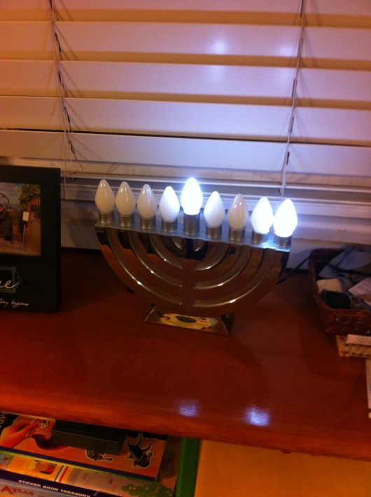 The first night of Hanukkah fell the night before American Thanksgiving this year, so we decided to get into the Thanksgivukkah spirit!