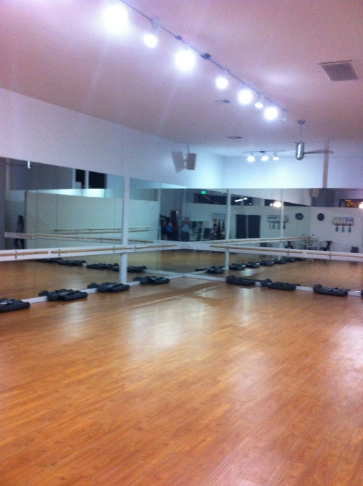 Class space and workout studio at Xtend Barre Seal Beach (CA).